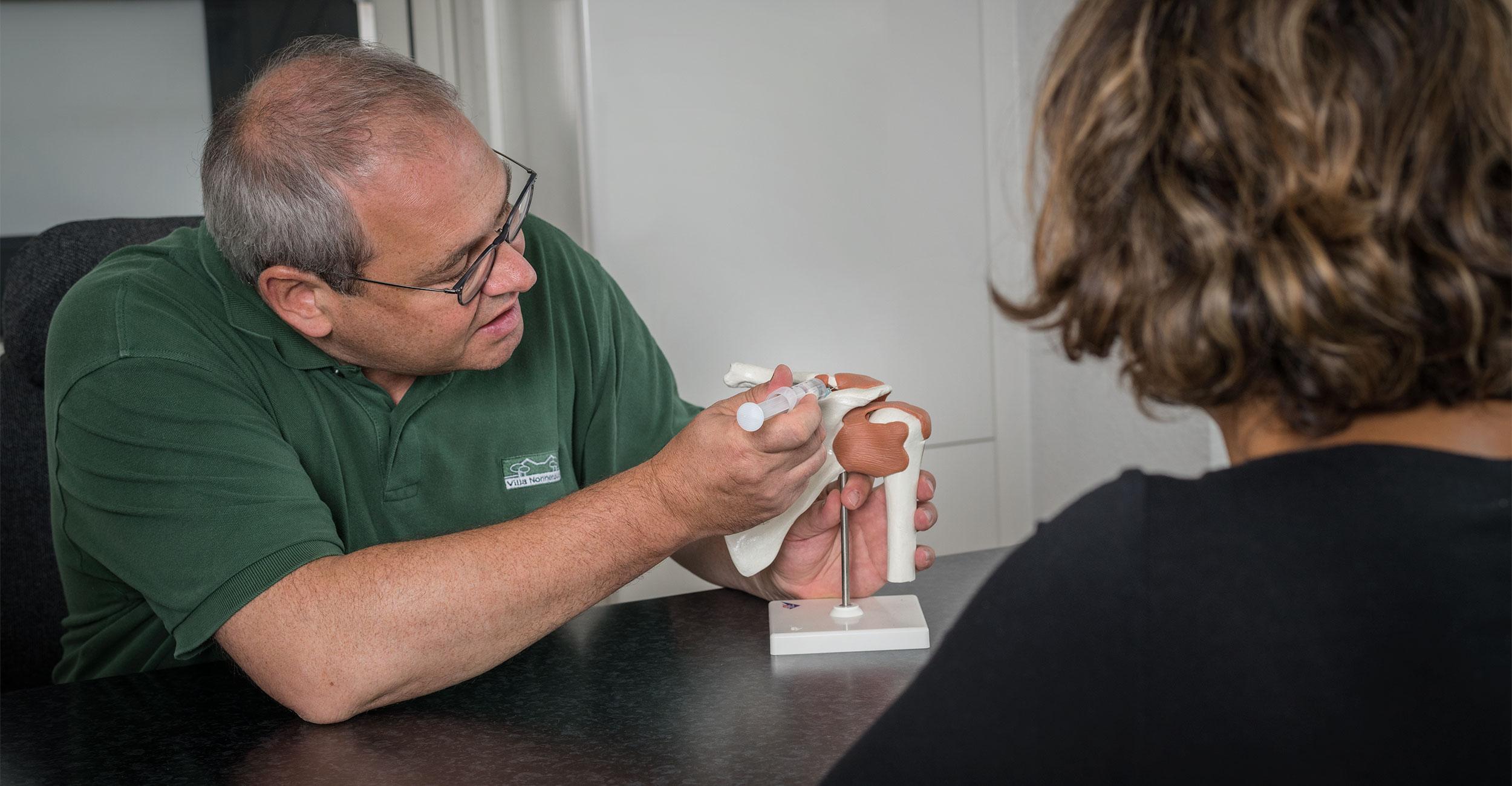 Untersuchung des Kniegelenks auf Arthrose